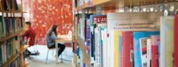 photo livres de la bibliothèque universitaire de la catho