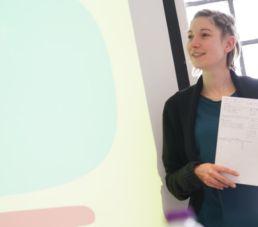 Etudiante en cours de Français Langue étrangère FLSH Clarife